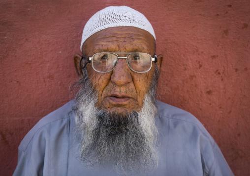 Elderly shiite man, Fars province, Shiraz, Iran