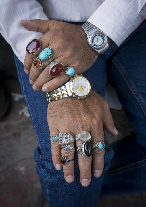 Man selling rings in tajrish bazaar, Shemiranat county, Tehran, Iran