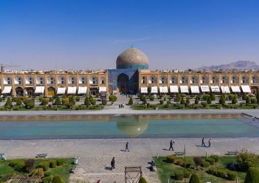 Sheikh lutfollah mosque standing on the eastern side of naghsh-i jahan square, Isfahan province, Isfahan, Iran