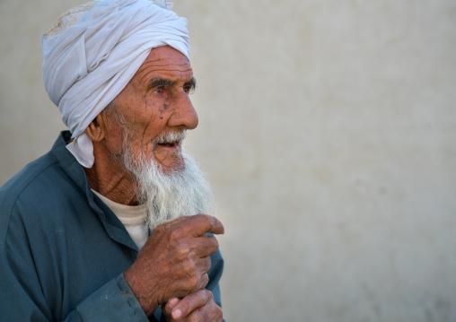 old iranian man with white beard, Qeshm Island, Tabi, Iran
