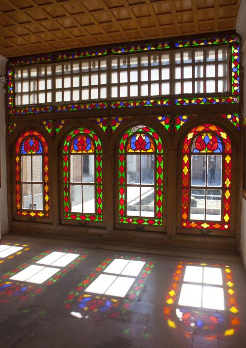 Khan Hamman Windows, Sanandaj, Iran