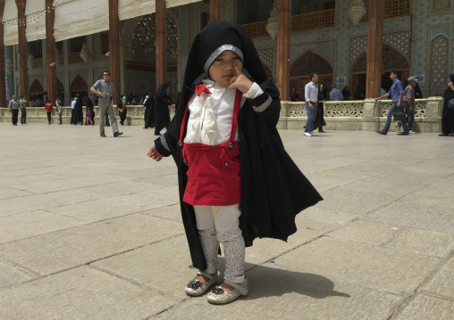 Little girl at the shah-e-cheragh mausoleum, Fars province, Shiraz, Iran