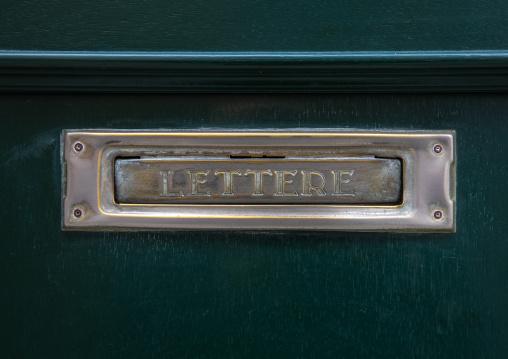 Mailbox on a green door, Veneto, Venice, Italia