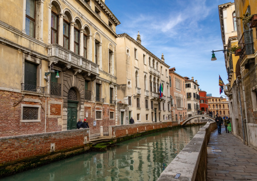 Small canal in the old town, Veneto, Venice, Italia