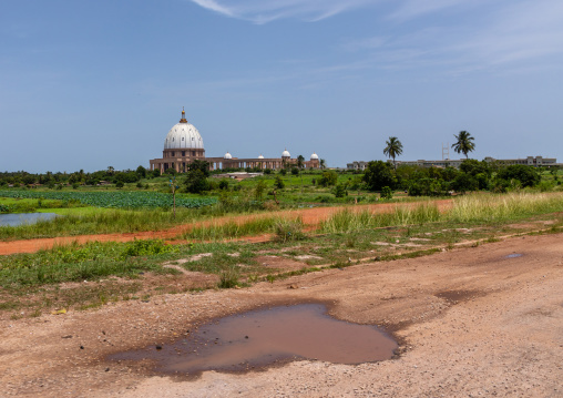 Our lady of peace basilica christian cathedral built by Félix Houphouët-Boigny, Région des Lacs, Yamoussoukro, Ivory Coast
