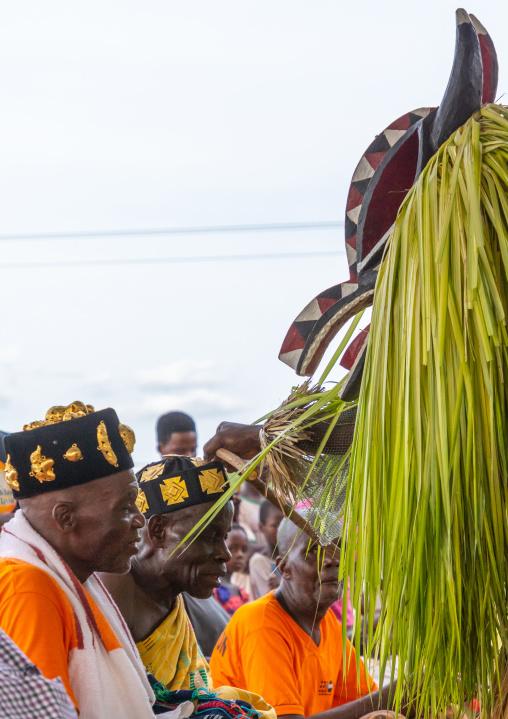 Goli sacred mask saluting tribal chiefs in Baoule tribe, Région des Lacs, Bomizanbo, Ivory Coast