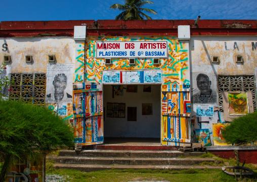 Maison des artistes formerly the office national des Chargeurs Réunis, Sud-Comoé, Grand-Bassam, Ivory Coast
