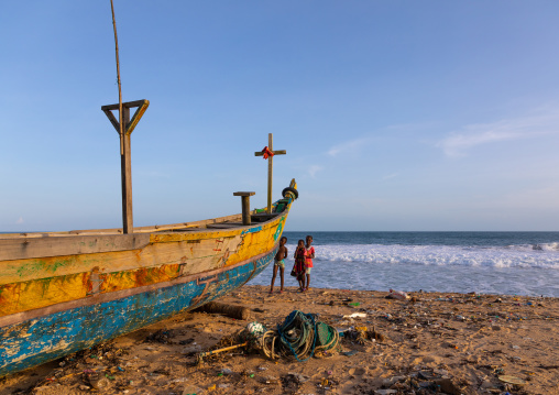 Pirogues on the beach in N'zima fishermen village, Sud-Comoé, Grand-Bassam, Ivory Coast