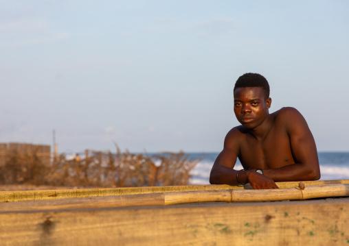 African fisherman in N'zima village, Sud-Comoé, Grand-Bassam, Ivory Coast