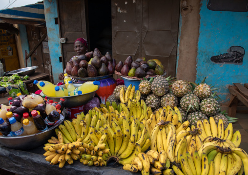 African woman selling fruits and vegetables on a local market, Tonkpi Region, Man, Ivory Coast
