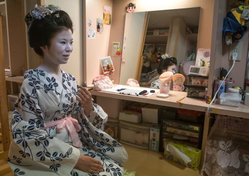 16 Years old maiko called chikasaya in her geisha house, Kansai region, Kyoto, Japan