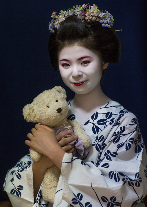 16 Years old maiko called chikasaya with her teddy bear, Kansai region, Kyoto, Japan