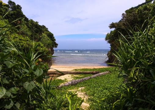 Hidden beach, Yaeyama Islands, Ishigaki, Japan