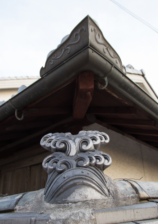 Side view of the roof of japanese old temple, Hypgo Prefecture, Himeji, Japan