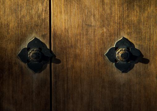 Antique wooden door in Kokoen garden, Hypgo Prefecture, Himeji, Japan
