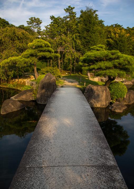 Kokoen garden bridge, Hypgo Prefecture, Himeji, Japan