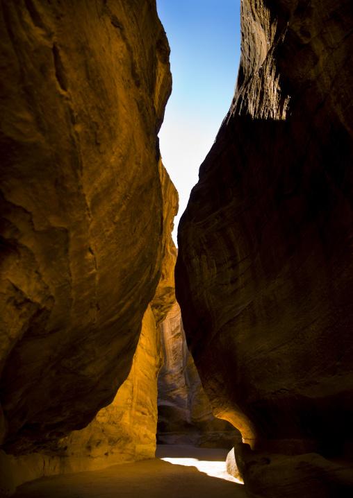 Bab Al Siq, Slot Canyon Leading To City Of Petra, Jordan