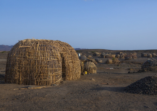 Grass huts in el molo tribe village, Turkana lake, Loiyangalani, Kenya