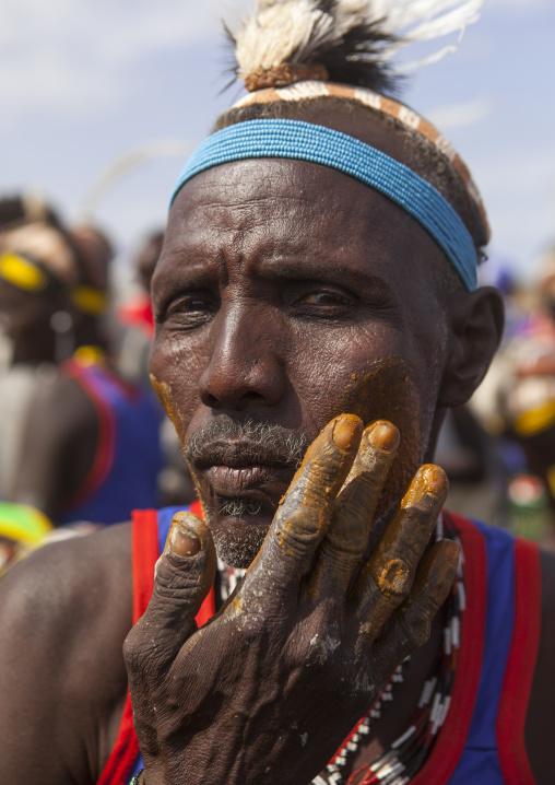 Men make up in dassanech tribe, Turkana lake, Loiyangalani, Kenya