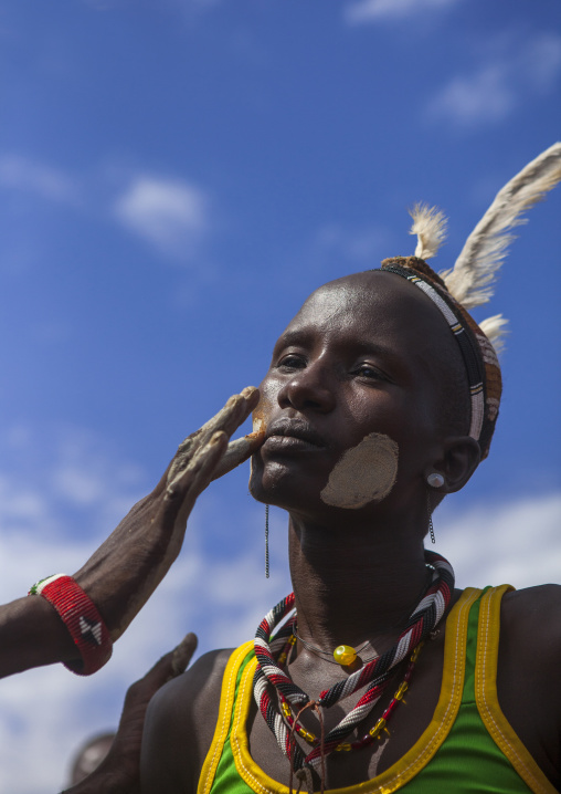 Men make up in dassanech tribe, Turkana lake, Loiyangalani, Kenya