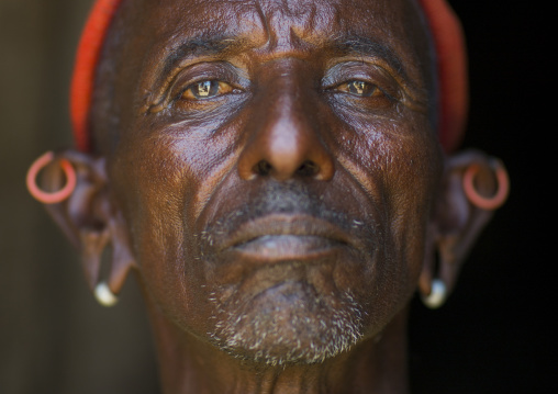 Rendille tribe old man, Marsabit district, Ngurunit, Kenya