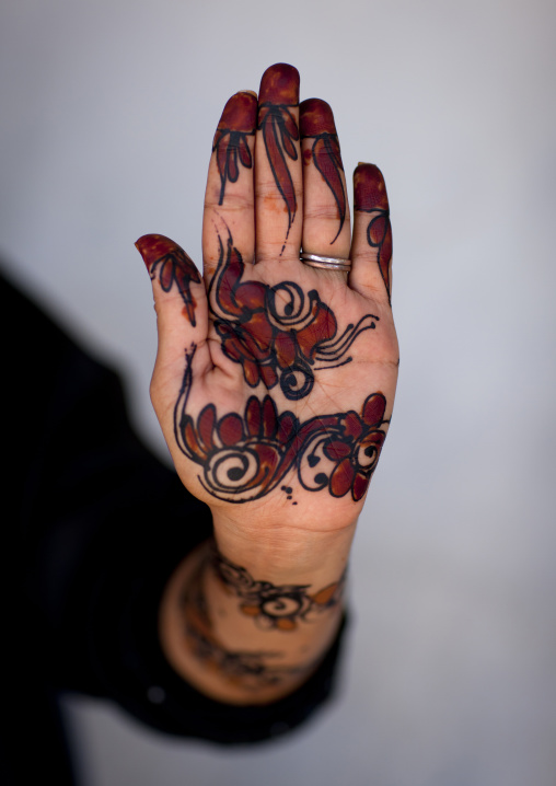 Patterns made with henna on hands, Lamu County, Lamu, Kenya
