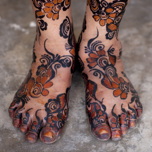 Painted woman feet with henna and indigo blue, Lamu, Kenya