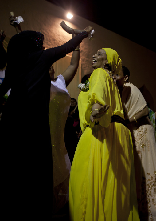 Woman showing off at the henna competition during maulidi festival, Lamu, Kenya