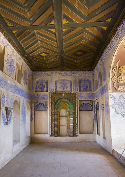 Ottoman Painted Ornamentation And Wood Ceiling In A Divan Inside The Erbil Citadel, Kurdistan, Iraq