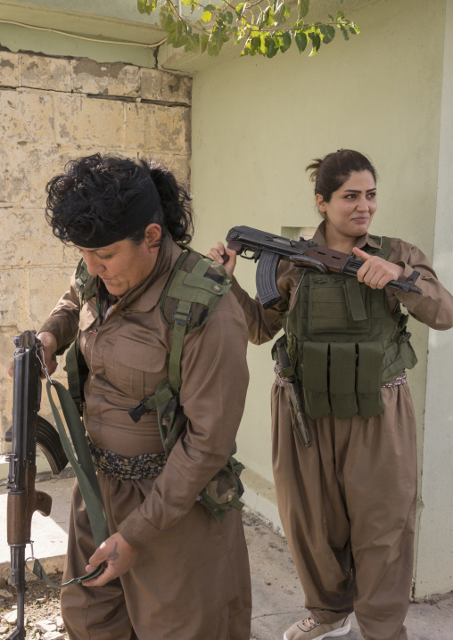 Peshmergas Women Of The 2Nd Battalion Going To The Frontline, Sulaymaniyah, Kurdistan, Iraq