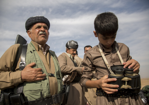 Kurdish Peshmergas On The Frontline, Kirkuk, Kurdistan, Iraq