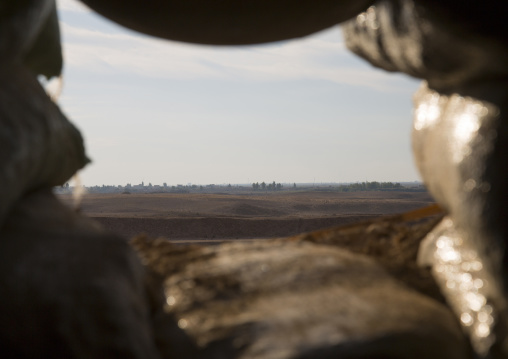 Kurdish Shelter On The Frontline In Front Of Daesh Army, Kirkuk, Kurdistan, Iraq