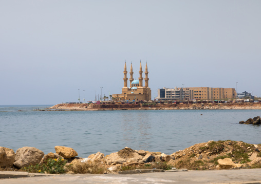 Corniche el Mina mosque, North Governorate, Tripoli, Lebanon