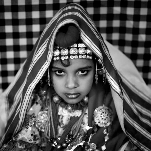 Tuareg girl in traditional clothing, Tripolitania, Ghadames, Libya