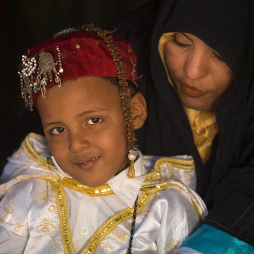 Tuareg mother and son, Tripolitania, Ghadames, Libya