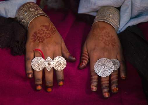 Woman with Tuareg rings on the fingers, Tripolitania, Ghadames, Libya