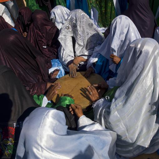 Tuareg women dancing and singing, Tripolitania, Ghadames, Libya