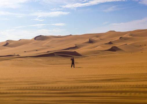 Tuareg man in ubari desert, Fezzan, Umm al-Maa, Libya