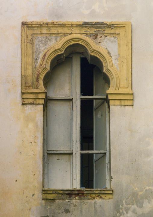 Italian colonial architecture of a window, Cyrenaica, Benghazi, Libya