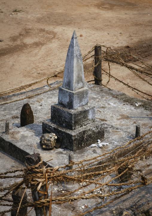Lao lum grave, Houei xay, Laos
