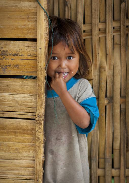 Shy khmu minority girl, Xieng khouang, Laos