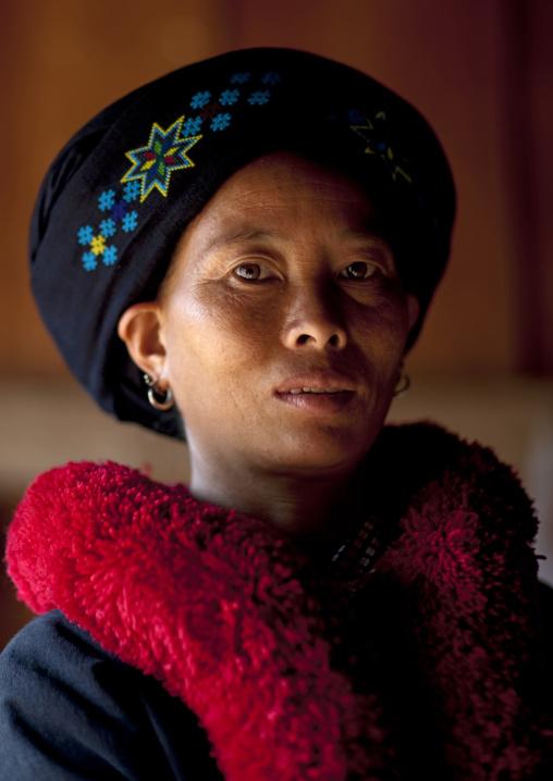 Yao minority woman, Ban xay leck, Laos