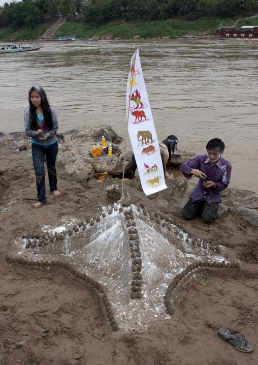 Teenagers during pii mai lao new year celebration, Luang prabang, Laos