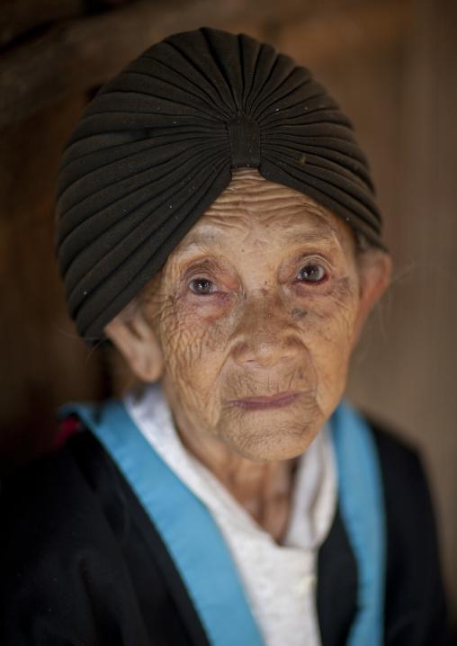 Hmong minority old woman, Luang prabang, Laos