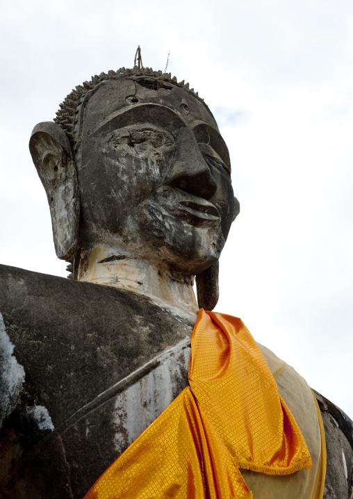 Buddha at wat phia ruins, Phonsavan, Laos