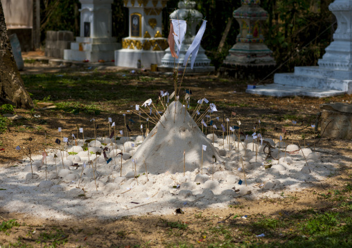 Buddhist sand stupa, Phonsavan, Laos