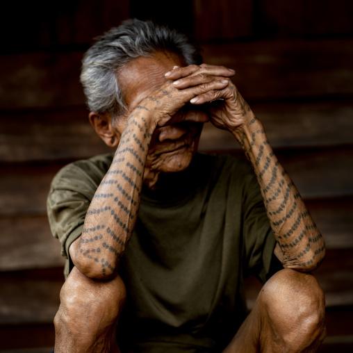Tattooed khmu minority man, Xieng khouang, Laos