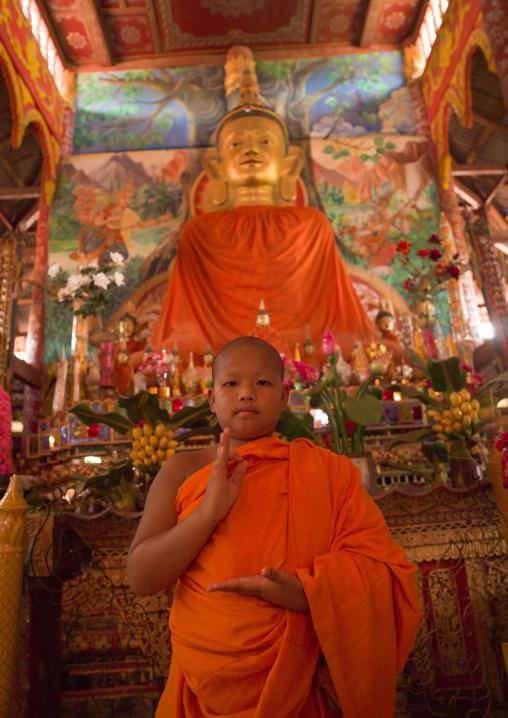 Novice buddhist monk, Nam deng, Laos