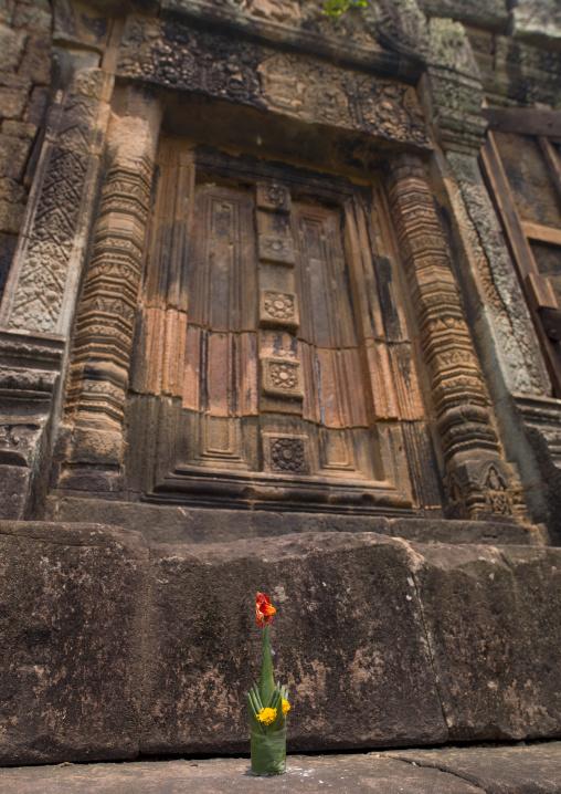 Door at wat phu khmer temple, Champasak, Laos