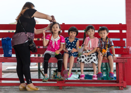 Family Living On Weld Clan Quay Piers, Penang Island, George Town, Malaysia